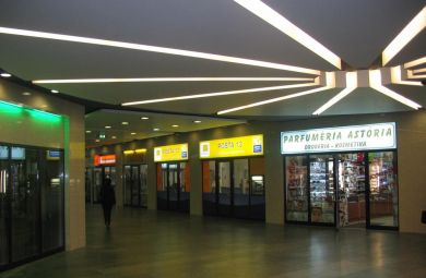 Poštová banka Hodžovo námestie - 2008-2010-Návrhy a realizácie interiérov Poštovej Banky a.s. po celom Slovensku : Hodžovo námestie
