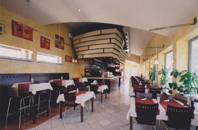 2005 - Pizzeria v Bratislave na Majerníkovej ulici, investor PIUS 90 s.r.o.